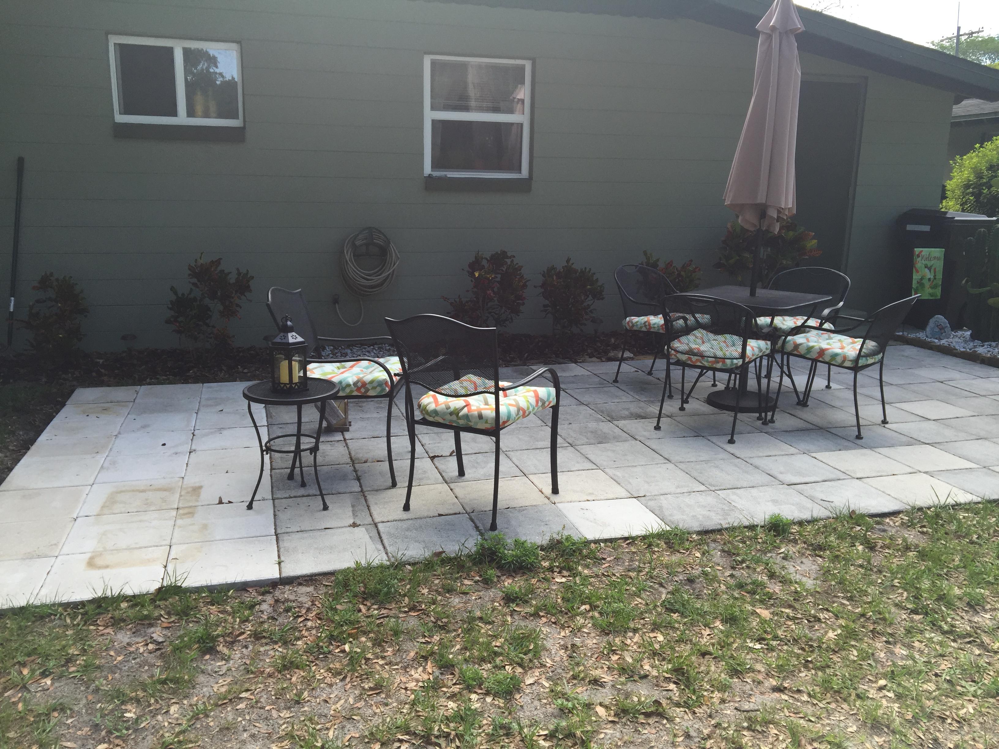 outdoor entertainment area (2)