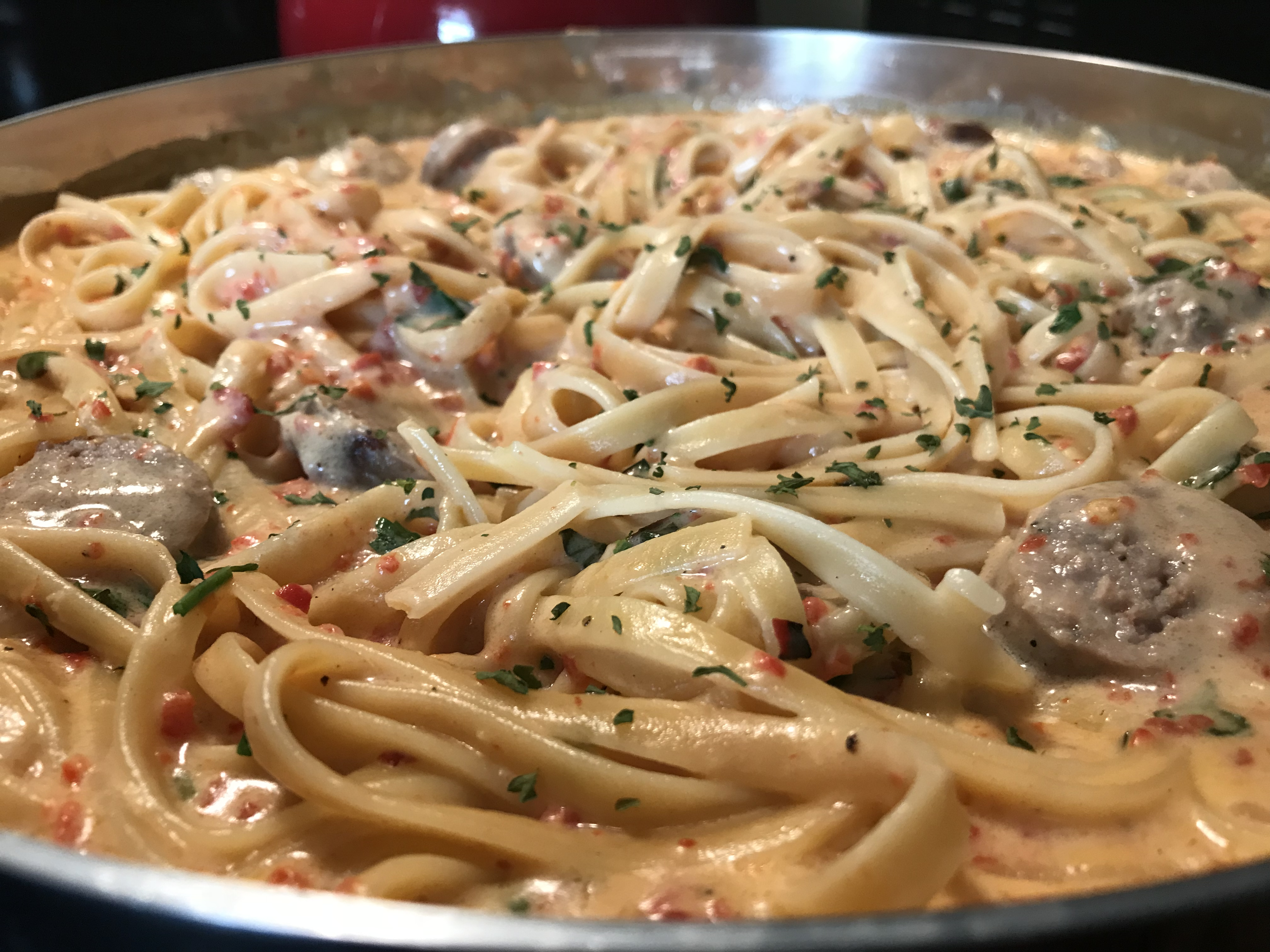 Roasted Red Pepper Alfredo With Sweet Italian Sausage (34)
