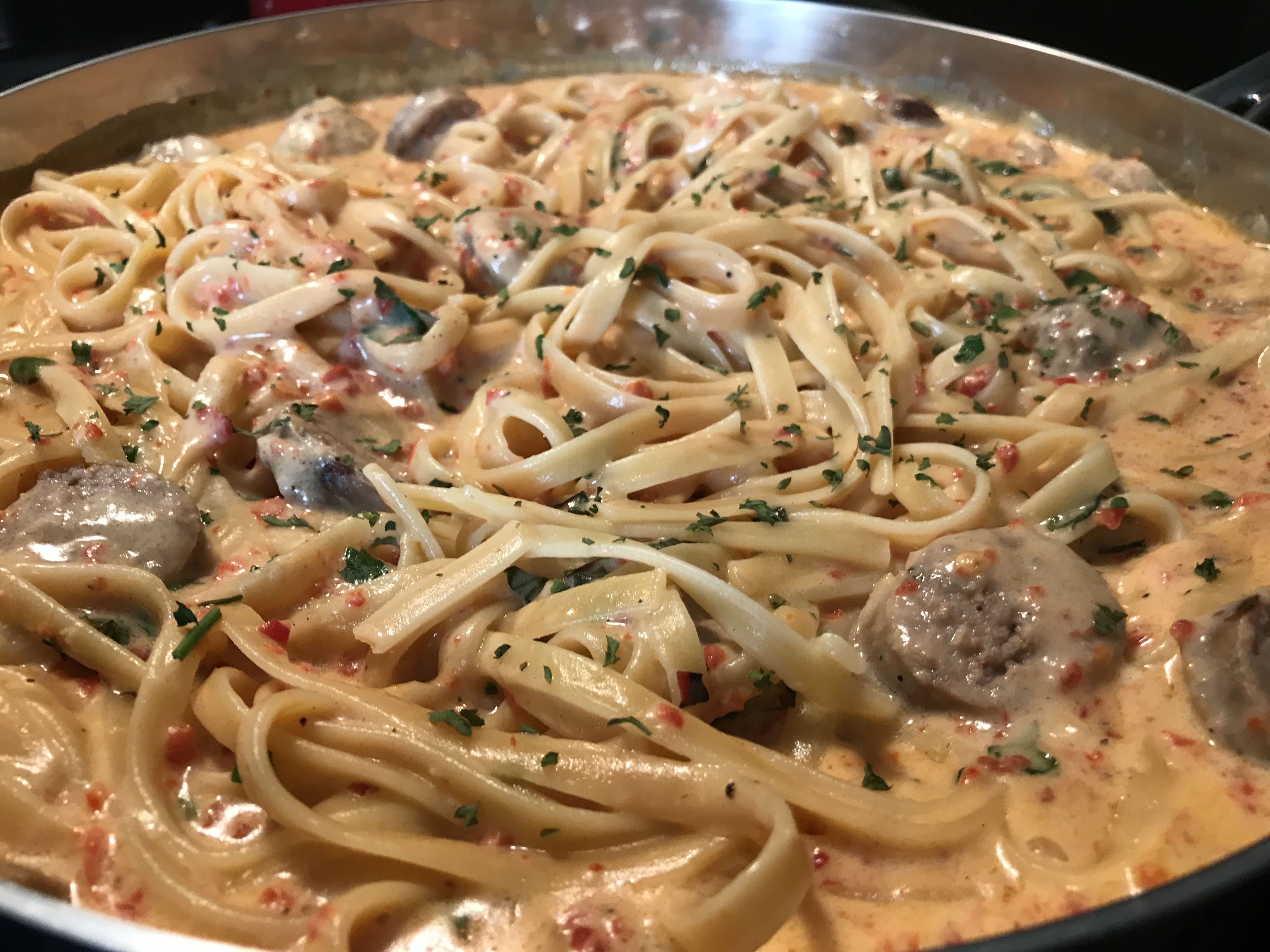 Roasted Red Pepper Alfredo With Sweet Italian Sausage (35)